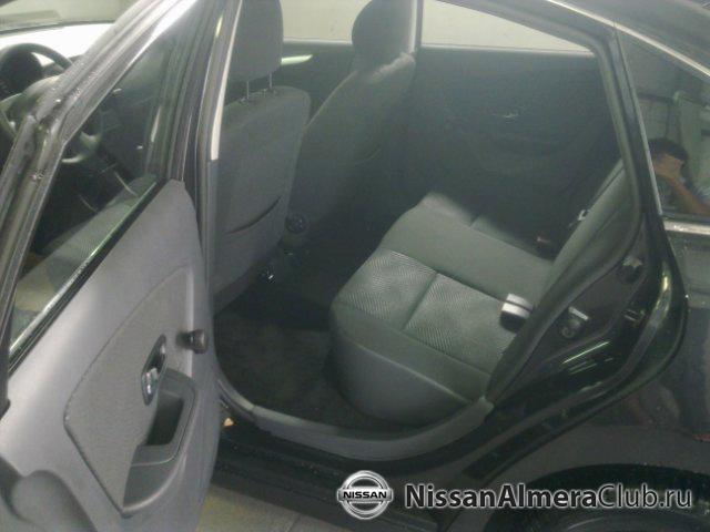 Nissan Almera АвтоВАЗ 2012: длина Альмеры позволяет расположить задние сиденья на почтительном расстоянии от спинок передних кресел.
