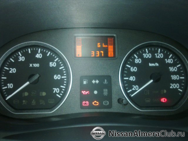 Nissan Almera АвтоВАЗ 2012: ещё раз приборная панель.