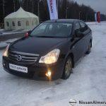 Чёрная Nissan Almera 2013